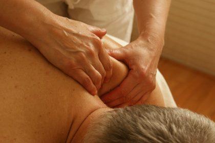 massage-389716_1920 (1)